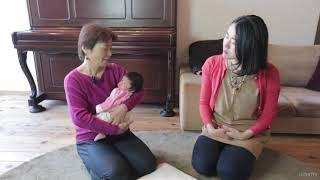 首がすわる前の赤ちゃんの抱き上げ方*縦に抱く方法